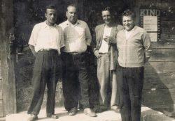 Wejście do gospody w Wyrykach - 1964 r.