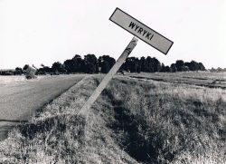 Znak drogowy mijescowości Wyryki - 1970-1980 r.
