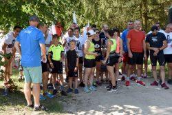 Uczestnicy biegów na starcie.